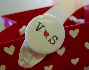 Wedding Favour / Wedding Favor / Wedding Badge / Mr and Mrs / Love Badge