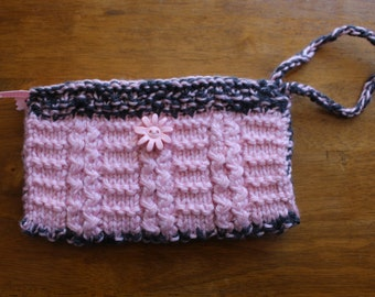 Knitted Clutch: Zippered and Lined