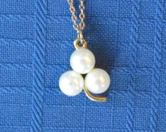 1960 Faux Pearl Necklace, Vintage Jewelry