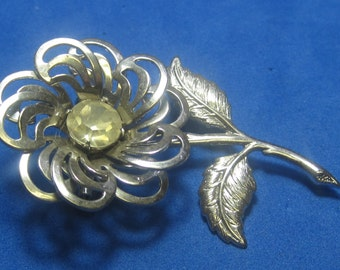 VINTAGE Antique Brooch Flower with White Jewel