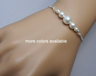 White Pearl Bracelet, Personalized Bridesmaid Bracelet, White Pearl Wedding Bracelet, Personalized Bridesmaid Gift, Maid of Honor Gift
