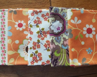 SALE / 5 Fat Quarters / Cotton Fabric / 1.25 yards total / 1 repeat / #073