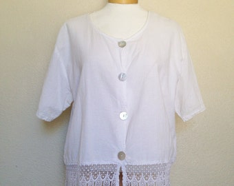 90's white, BRIDGE top with lace trim and abalone shell buttons