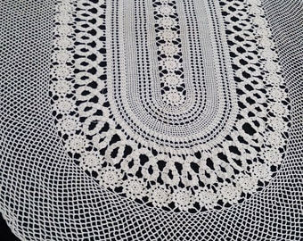 Large Vintage Bruges Lace Oval Table Runner. Crocheted Cotton Lace Antique Linen White Colour Table Runner. As New. RBT0228