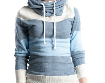 Knitted Hooded Pullover