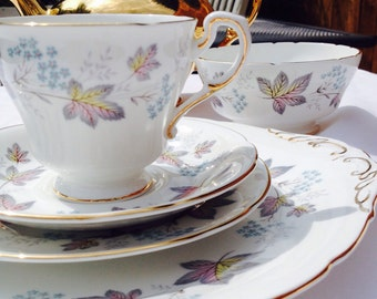 Pretty Sweet Vintage Paragon 'Enchantment' Teacup, Saucer, Cake/Bread Plate, Sugar Bowl