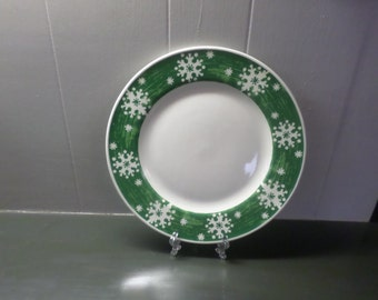 Royal Norfolk Green Snowflake plate