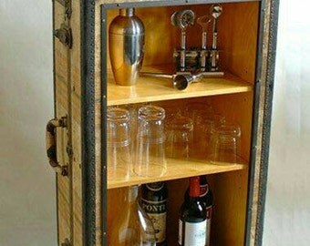 Steampunk Bar, Side table