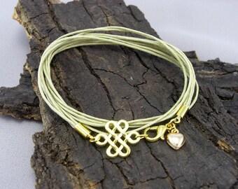 Celtic knot Gold Bracelet