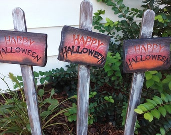 Happy Halloween yard sign.  Spoooky greeting! Cedar sign mounted to spiked post.  Oudoor ready