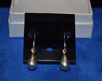 E-020: 1.6 Vintage Solid Silver Teardrop Sterling  Dangle Earrings