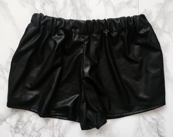 Faux Leather Shorts XS/S