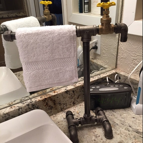 Industrial Pipe Kitchen: Items Similar To Industrial Black Iron Pipe Towel Bar