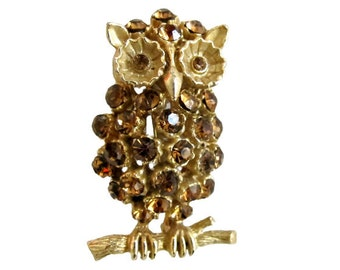 Vintage Gold Tone & Amber Rhinestone Figural Owl Brooch Pin
