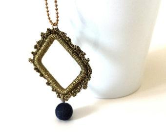 Barroque pendant necklace, Ethnic geometric necklace, short statement necklace with geometric pendant, statement necklace, crochet necklace