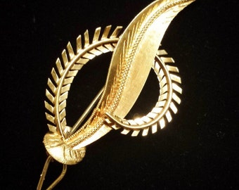 18K Yellow Gold Leaf and Fern Pin Brooch
