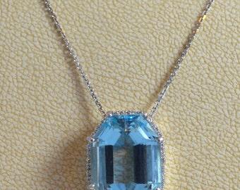 Elliott Shelton's Aquamarine and diamond necklace