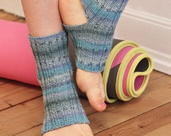 yoga wool socks, pilates socks, handknitted, knit, wool, colorful, drops design, made to order, your color, your size