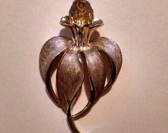 Vintage Sarah Coventry Flower Brooch