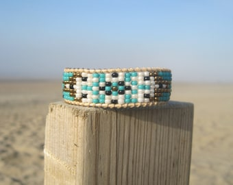 Bohemian style-Boho Chic-Trendy woven beaded bracelet in turquoise and bronze