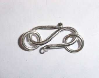 C6A/2119: Medium Plain Sterling Silver 'S' Clasp