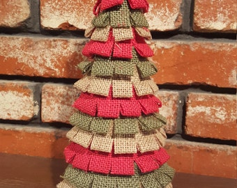 Red, green, and tan burlap tree