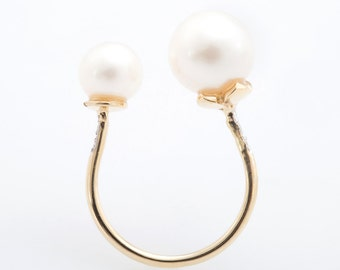 Fresh Water Pearl Ring with Diamonds Side Ring