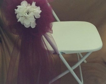 TULLE PEW BOWS Burgundy Sold In Sets Of 6 Featuring White Hydrangea Flowers In Center