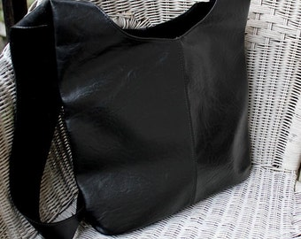 Bag 90, as New! fully lined in velvet
