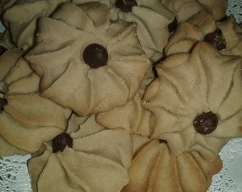 French EGGlESS NON DAIRY shortbread cookies.