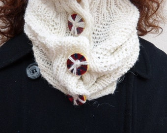 Warm neck gaiter white or yellow, neck warmer, neck tower, crochet cowl