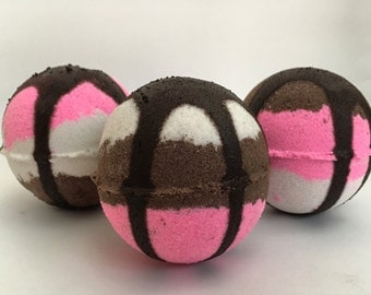 2 Ice Cream Bath Bomb Summer Bath Bomb Fun Bath Bomb Moisturizing Bath Bomb Bath Fizzy Party Favor Neapolitan Ice Cream