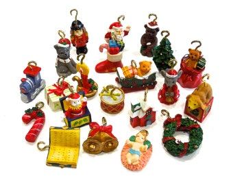 VINTAGE: 21 Small Polyresin Ornaments - Feather Tree Ornaments - Christmas Ornaments - (15-E1-00005945)