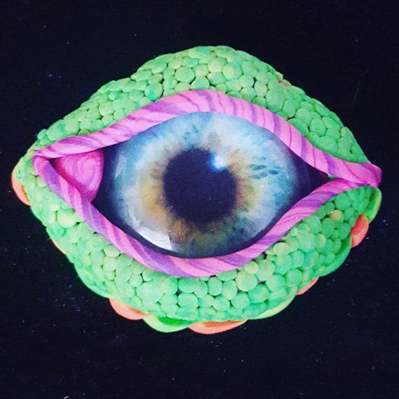 Eyeball pendant- polymer clay- 'Wandering eye'- uv-reactive- trippy third eye