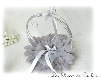 """Holder, gray and white large flower rings wedding v2 """"Swirls"""""""