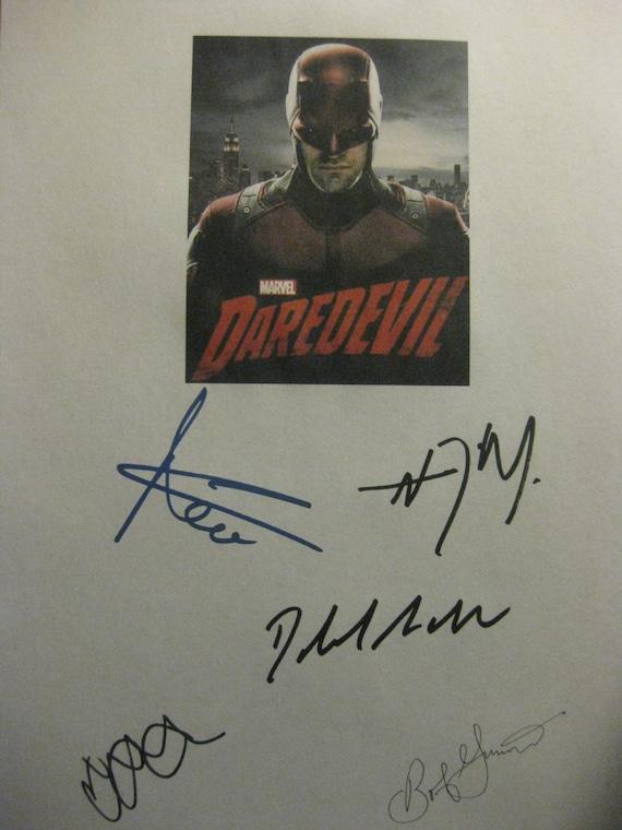 Daredevil Signed TV Script Screenplay X5 Autographs Charlie Cox Deborah Ann Woll Vincent D'Onofrio Elden Henson Bob Gunton signatures marvel