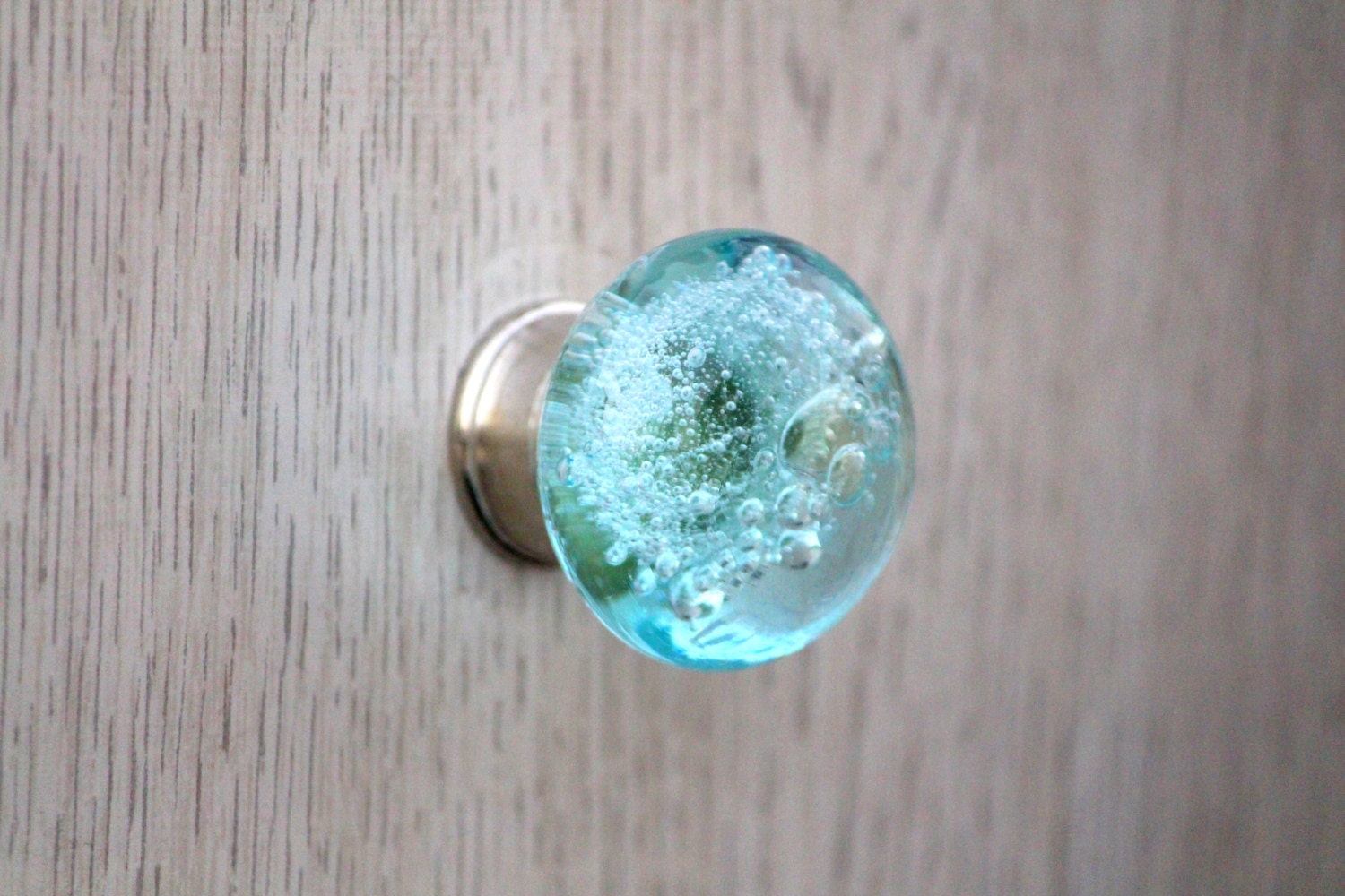 glass bubble decorative knob cabinet door knobs radiant. Black Bedroom Furniture Sets. Home Design Ideas