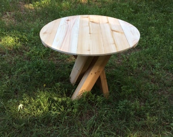 Outdoor circular side table, cedar, twisted legs, circular top, outdoor furniture, 2x4, exterior