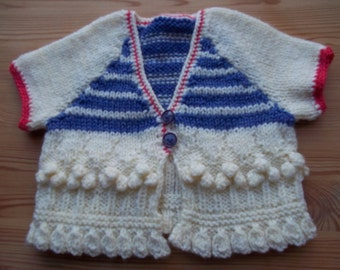 Knitted short-sleeved modern aran-style cardigan top