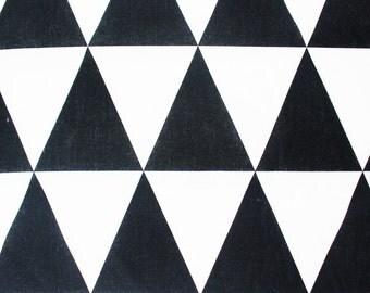 Cotton Fabric / Geometric Triangle / Monochrome Black & White / Craft Quilt Patch Bandana Cushion Sew Material Supply / Half Metre