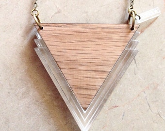 "Necklace ""Lou"" triangle in oak and plexi"