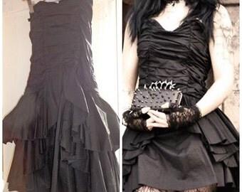 Venoumous Dress