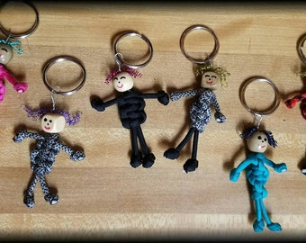 Paracord people keychains and zipper charms