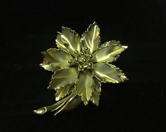 Vintage Brooch, Floral, Goldtone