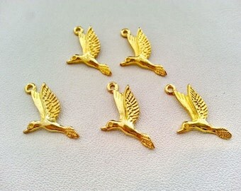 Free shipping!!! 10 pcs. SWALLOW charm pendants gold tone 15x25 mm.,accessories,earring,bracelet,jewelry finding,decoration jewelry