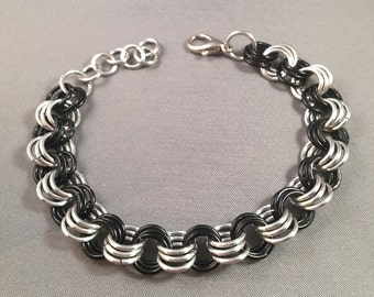 "7"" 3-in-3 Chainmail Bracelet, Black and Aluminum"