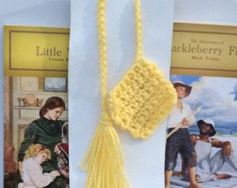 Handmade crocheted bookmark