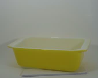 Pyrex Loaf Pan 813 Yellow
