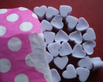 Handmade Parma Violet scented mini heart shaped mini soy wax melts x 50