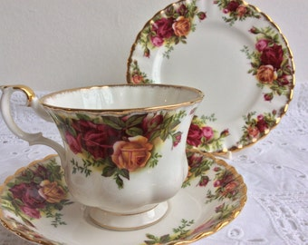Royal Albert Old Country Roses - vintage tea cup, saucer and plate a pretty set for a special party.